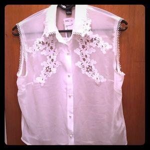 Short sleeve white top
